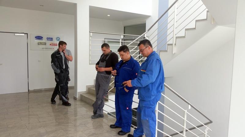 TDC Aufzugsmonteure bei OTIS ASU Schulung 2