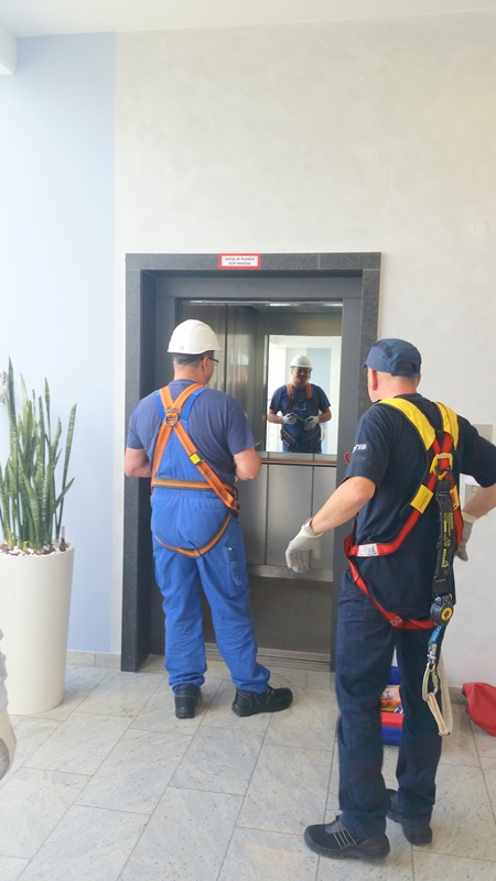 TDC Aufzugsmonteure bei OTIS ASU Schulung 19