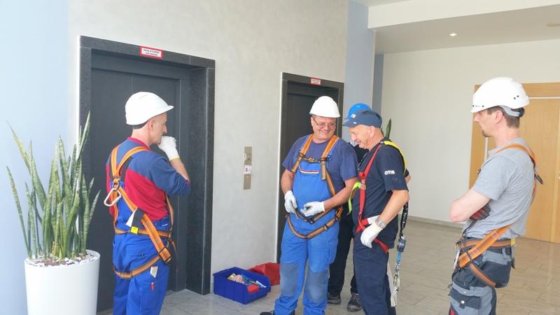 TDC Aufzugsmonteure bei OTIS ASU Schulung 27
