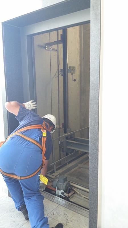 TDC Aufzugsmonteure bei OTIS ASU Schulung 29