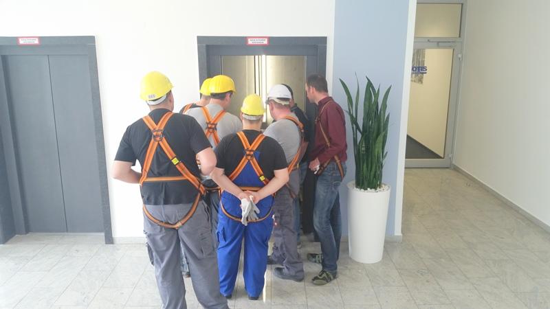 TDC Aufzugsmonteure bei OTIS ASU Schulung 36