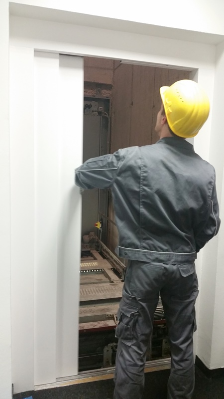 TDC Aufzugsmonteure bei OTIS ASU Schulung 39
