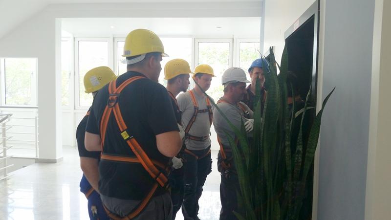 TDC Aufzugsmonteure bei OTIS ASU Schulung 40