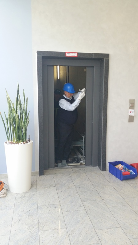 TDC Aufzugsmonteure bei OTIS ASU Schulung 43