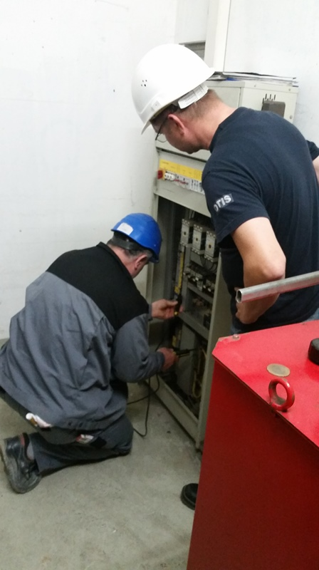 TDC Aufzugsmonteure bei OTIS ASU Schulung 44