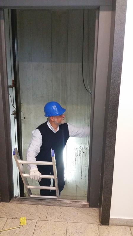 TDC Aufzugsmonteure bei OTIS ASU Schulung 45